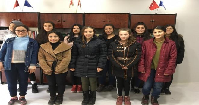 Mercedes-Benz Türk, Kars'taki Yıldız Kızlarıyla Buluştu