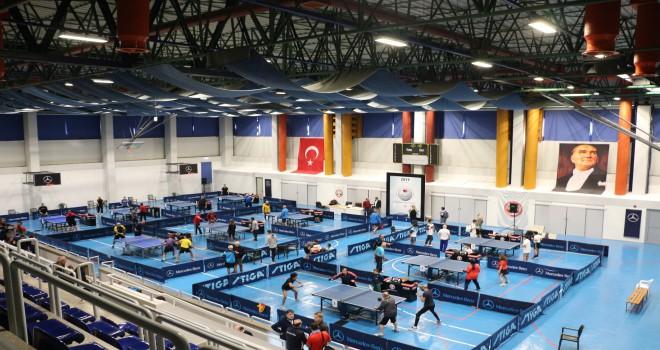 Mercedes-Benz Türk, Türkiye Spastik Çocuklar Vakfı Yararına Masa Tenisi Turnuvası Düzenledi