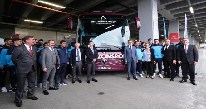 Trabzonspor'un Yeni Mercedes-Benz Tourismo'su Ali Osman Ulusoy Turizm'den