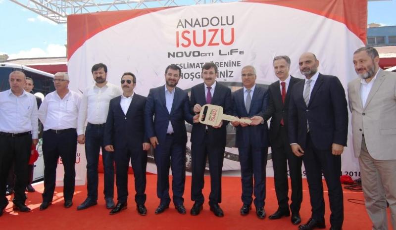 ANADOLU ISUZU'DAN BİNGÖL'E 80 ARAÇLIK DEV TESLİMAT